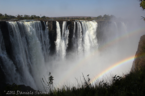 photo credit: Dany3R9 Victoria falls via photopin (license)